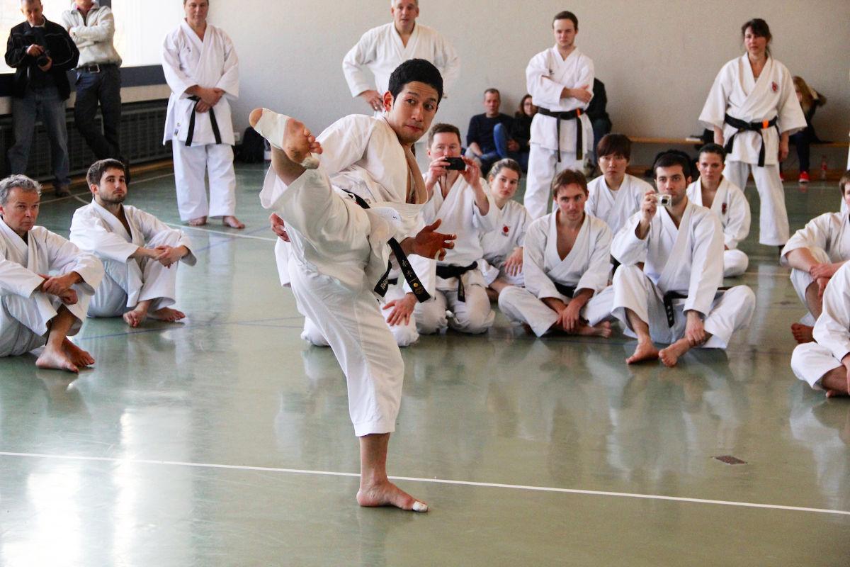 Karate lehrgang mit shinji nagaki f404508e956aba06b80f601f3f6ef1dfccf65587234781f1d9b8fb93692d6974